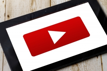 YouTubeで制作事例を紹介