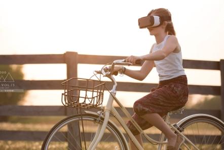 【広報担当MブログVol.13】VRとの出会いとは「異空間体験」
