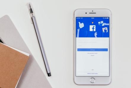 Facebook社から成功事例を取材したいとの連絡
