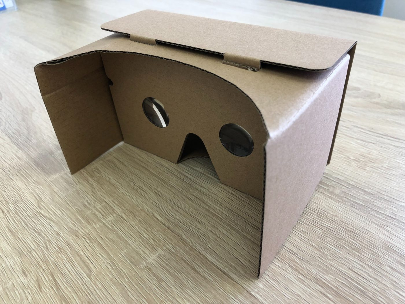 100均の2眼VRゴーグル 組み立て