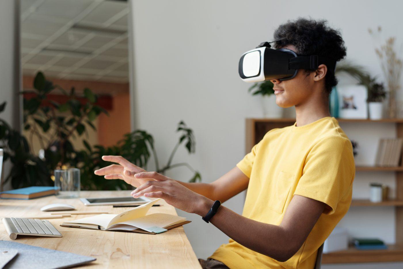 VRを面接トレーニングに活用するメリット イメージ